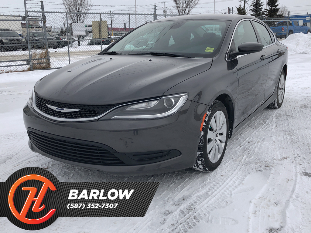 Pre-Owned 2015 Chrysler 200 LX FWD