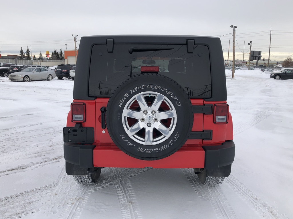 Pre-Owned 2016 Jeep Wrangler 4WD 2dr Sahara