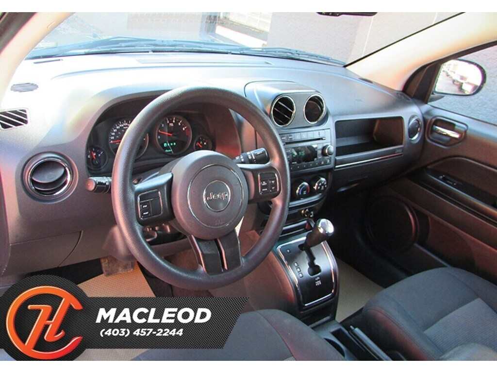 Pre-Owned 2013 Jeep Compass Sport/North ( Mechanic special )