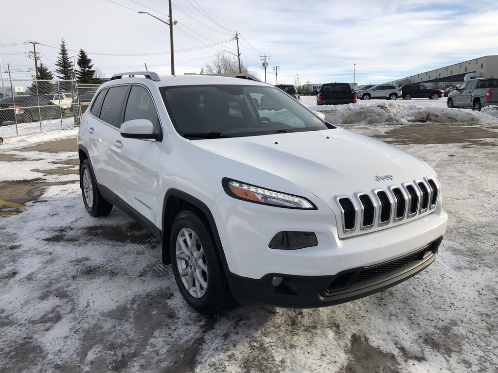 Pre-Owned 2015 Jeep Cherokee 4WD 4dr North / Back up cam / Bluetooth