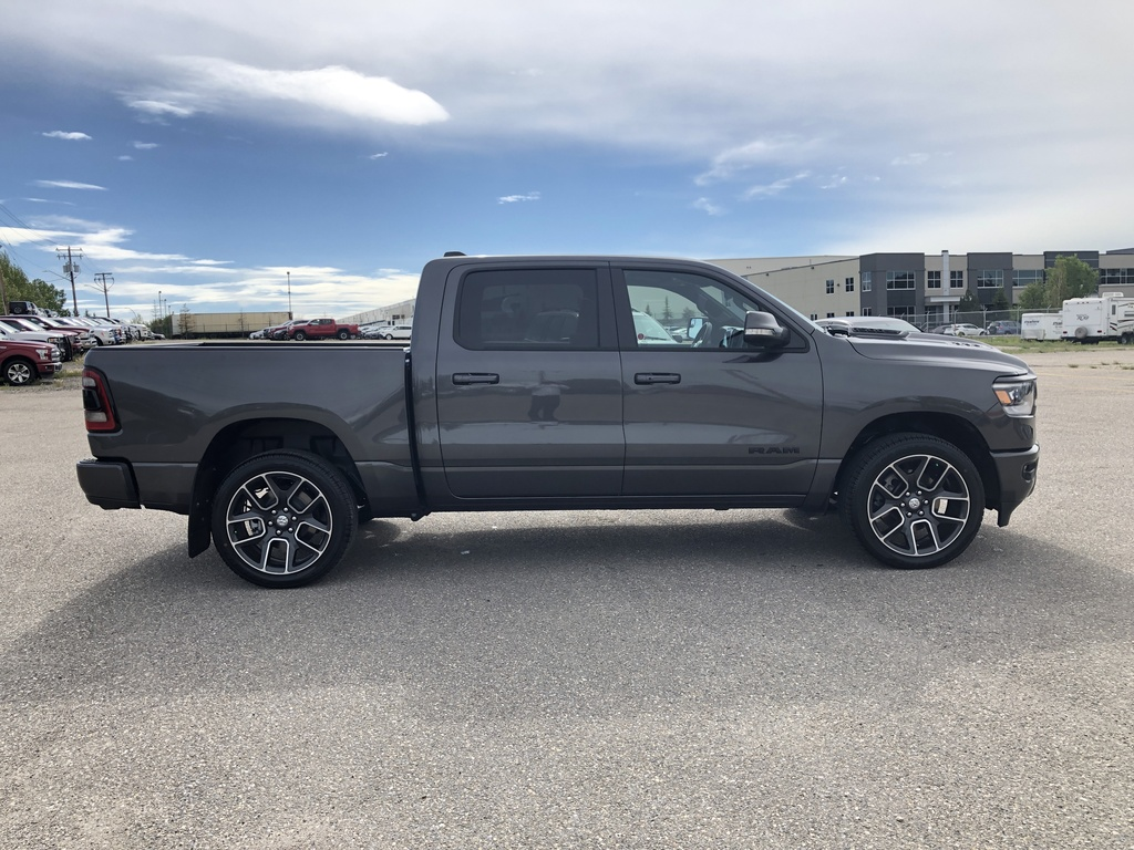 Pre-Owned 2020 Ram 1500 Sport 4x4 Crew Cab 5'7 Box / Navi / Leather