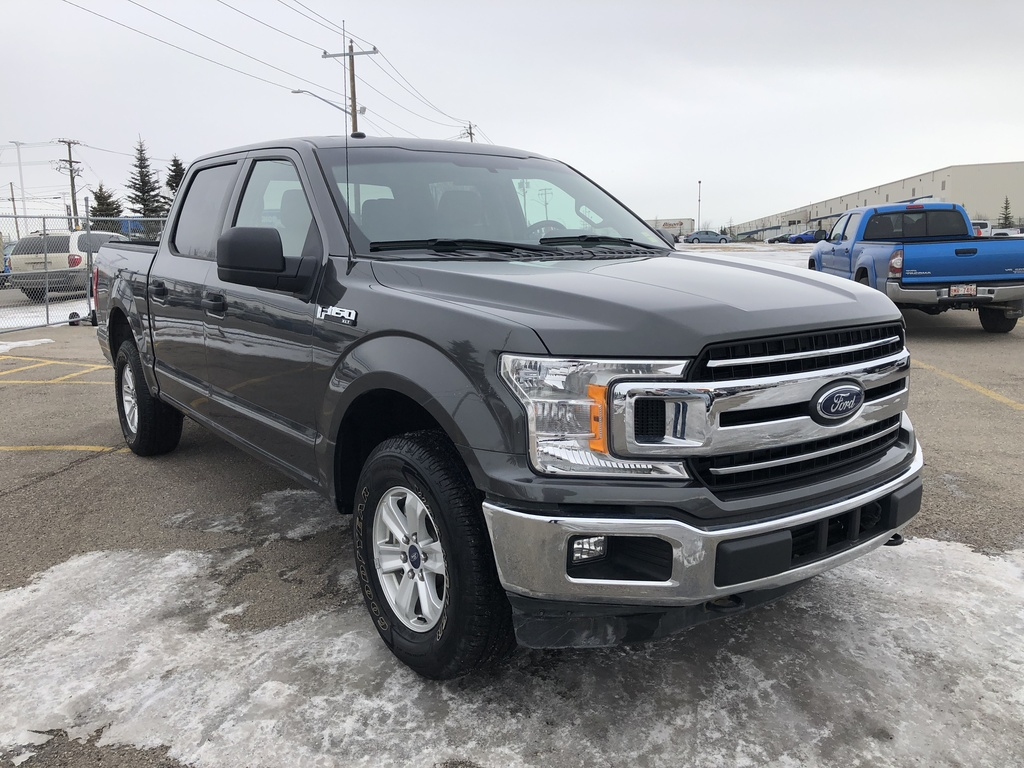 Pre-Owned 2018 Ford F-150 XLT 4WD SuperCrew 5.5' Box / Back up cam