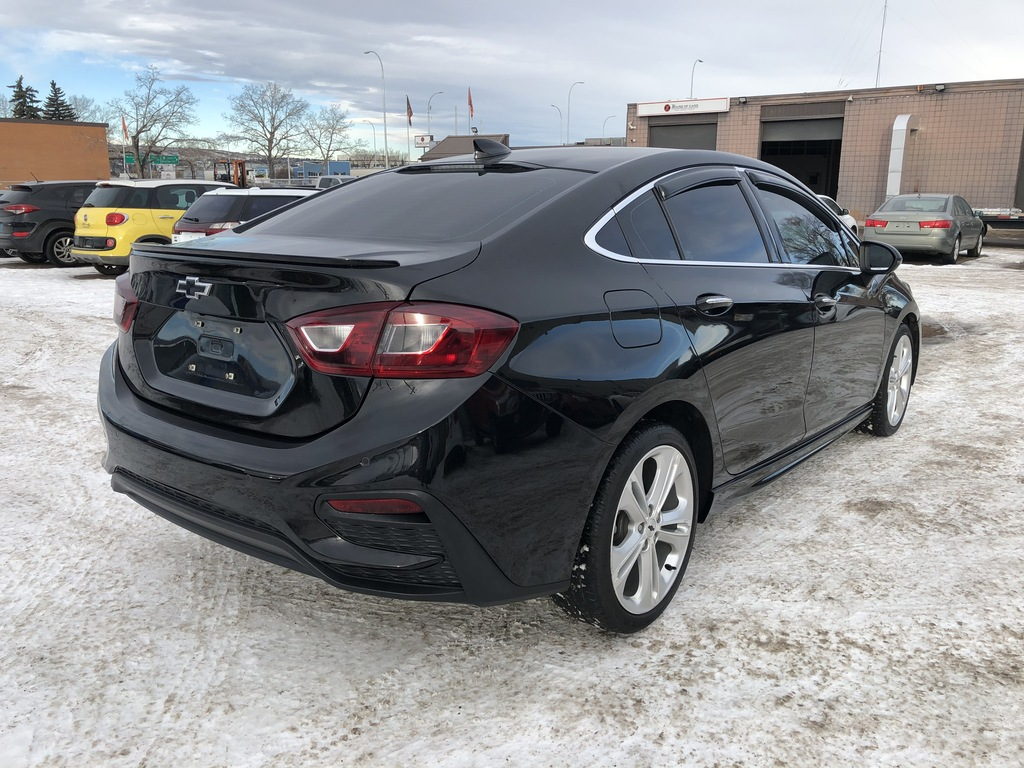 Pre-Owned 2016 Chevrolet Cruze Leather / Sunroof / Back up cam