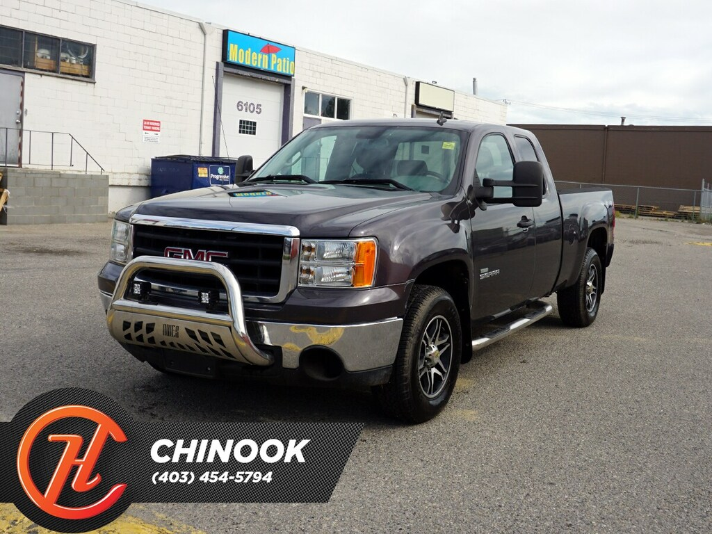 Pre-Owned 2011 GMC Sierra 1500 SL Nevada w/ Bluetooth,4x4
