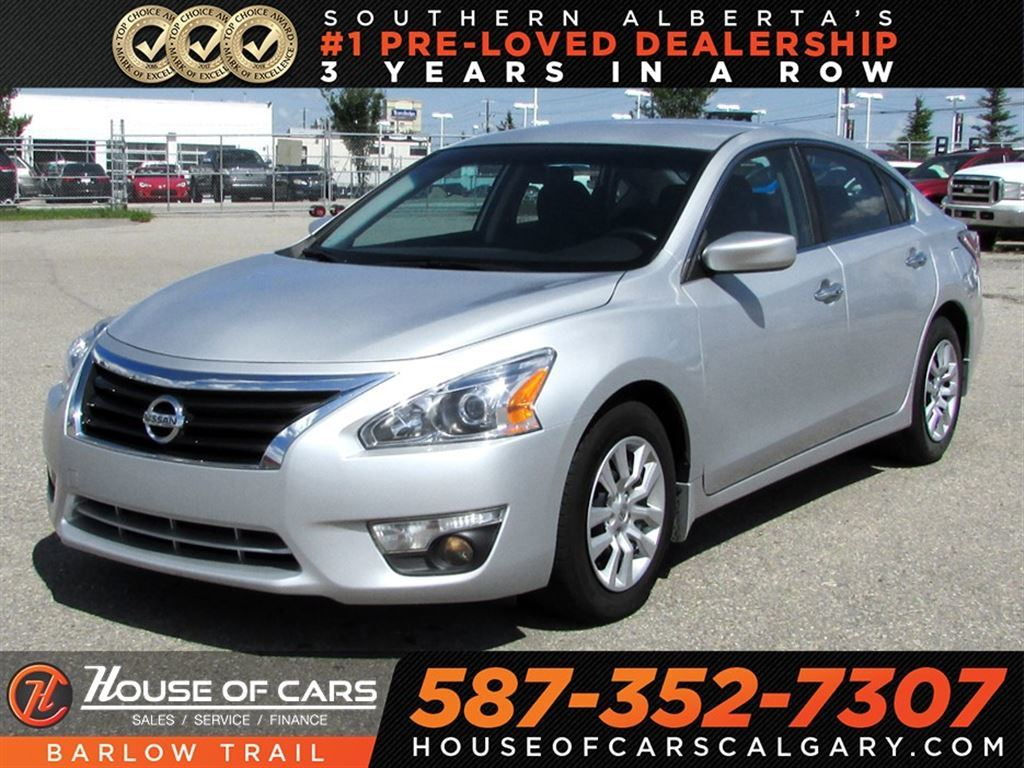 Pre Owned 2015 Nissan Altima 2.5 S / Back Up Camera