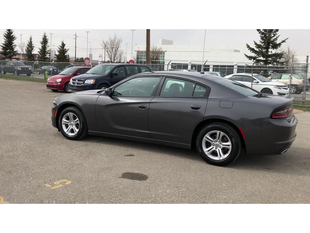 Pre-Owned 2019 Dodge Charger SXT / Bluetooth / Back up cam