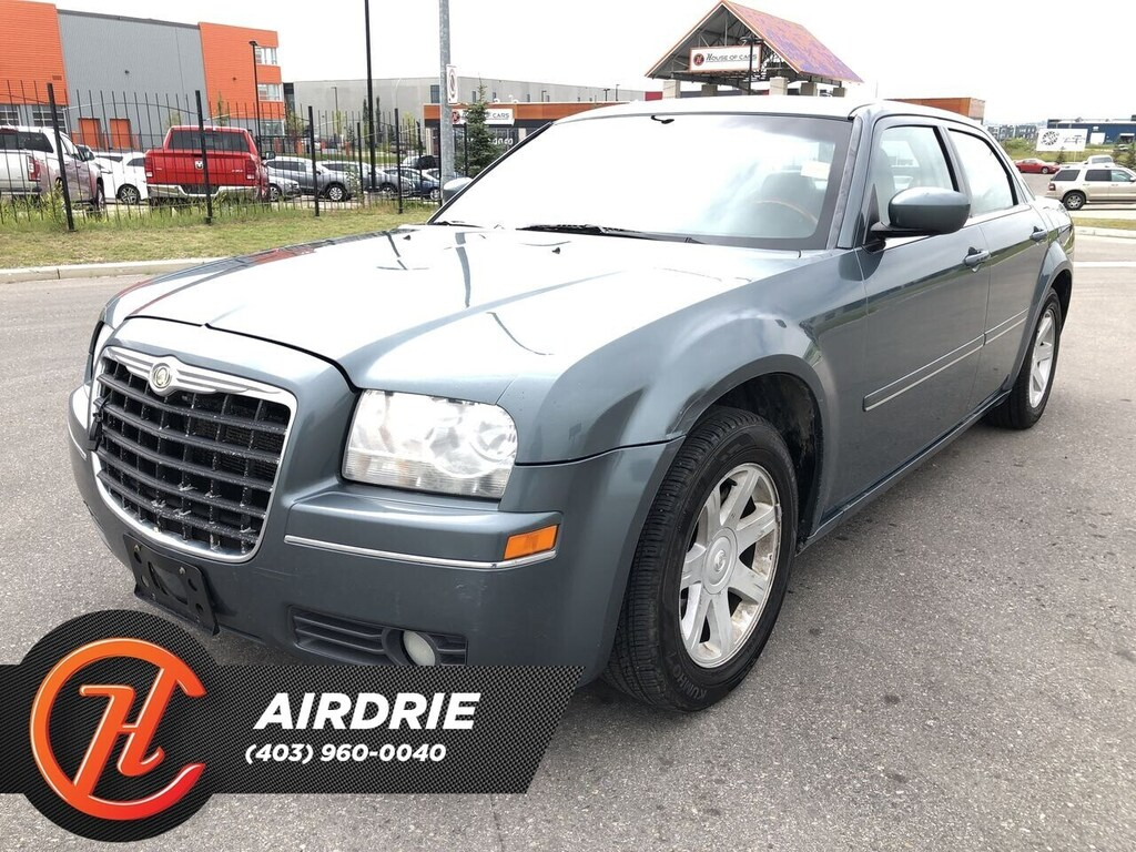 Pre-Owned 2005 Chrysler 300 -