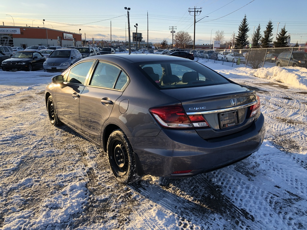 Pre-Owned 2015 Honda Civic Sedan 4dr Man LX / Back up cam / Heated seats