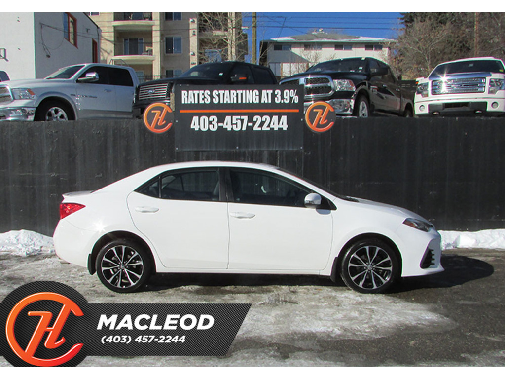 Pre-Owned 2017 Toyota Corolla 4dr Sdn Man SE