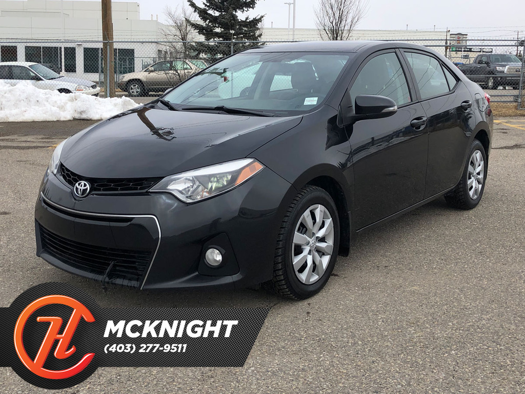 Pre-Owned 2015 Toyota Corolla 4dr Sdn CVT S / Heated seats / Back up cam
