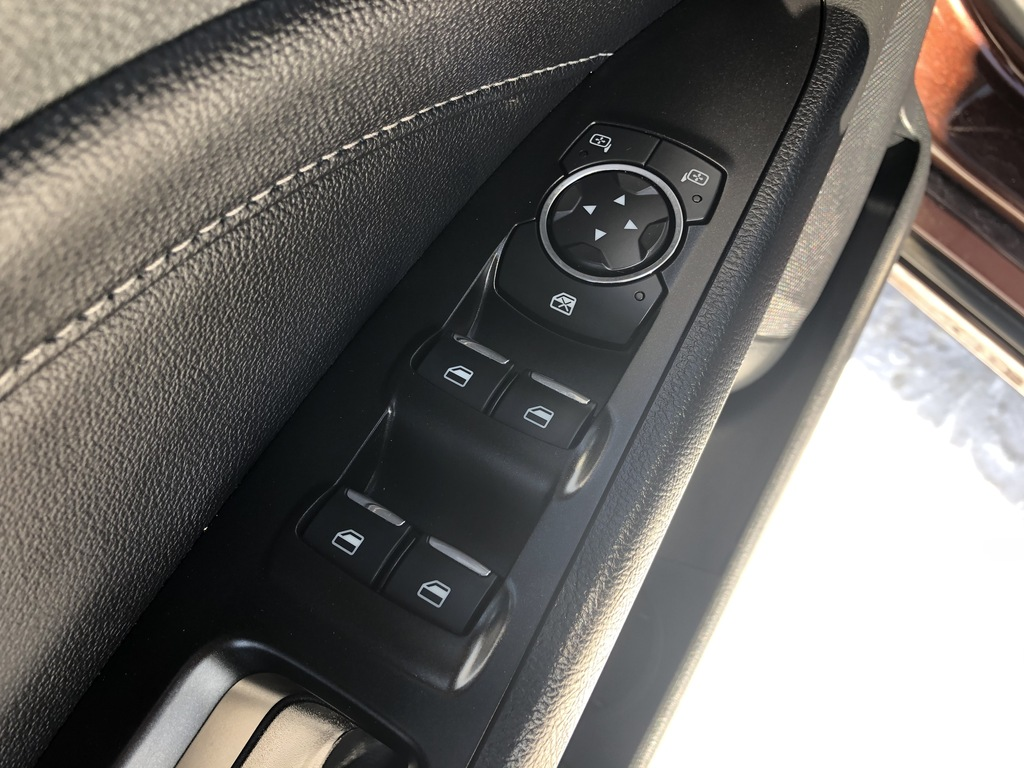 Pre-Owned 2019 Ford Fusion Hybrid Leather / Sunroof / Nav / Back up cam