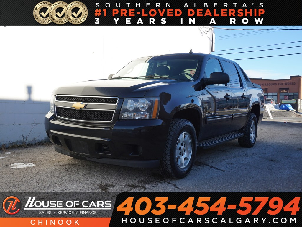 Pre-Owned 2012 Chevrolet Avalanche 1500 LT w/ Backup Camera,4X4