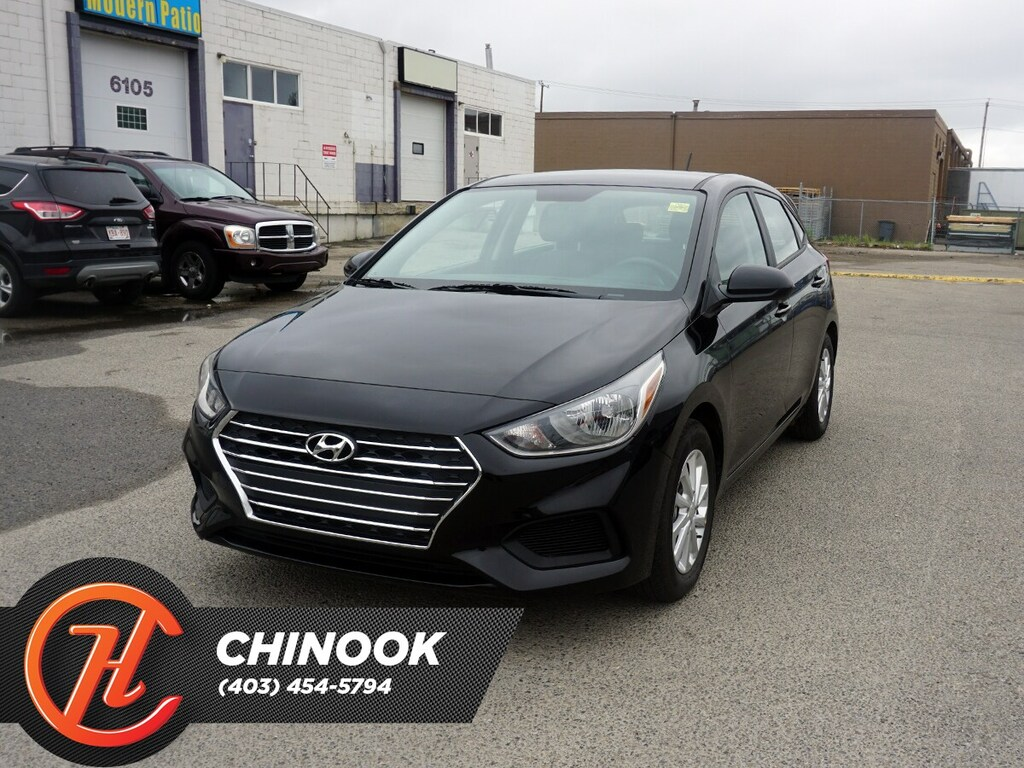 Pre-Owned 2019 Hyundai Accent Preferred w/ Bluetooth,Heated Seats,Backup Cam