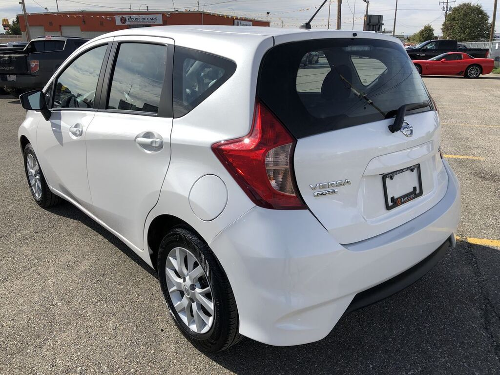 Pre-Owned 2019 Nissan Versa Note SV /Back Up Camera /