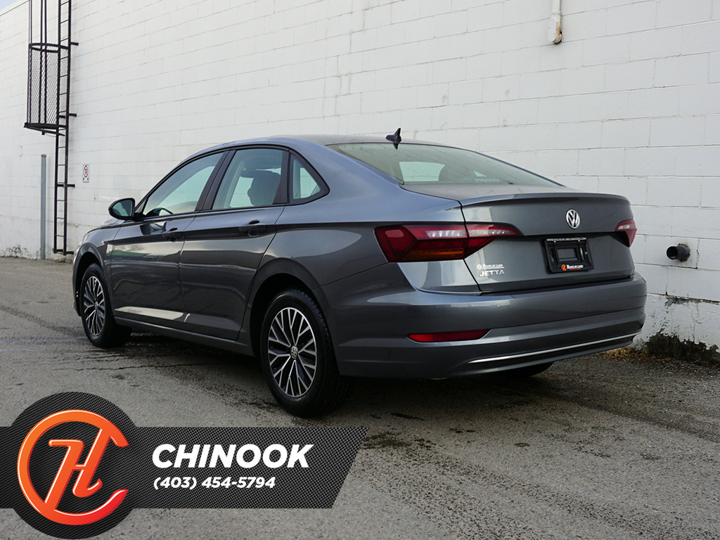 Pre-Owned 2019 Volkswagen Jetta Highline Auto