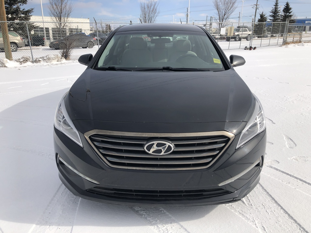Pre-Owned 2015 Hyundai Sonata 4dr Sdn 2.4L Auto GL / Heated seats