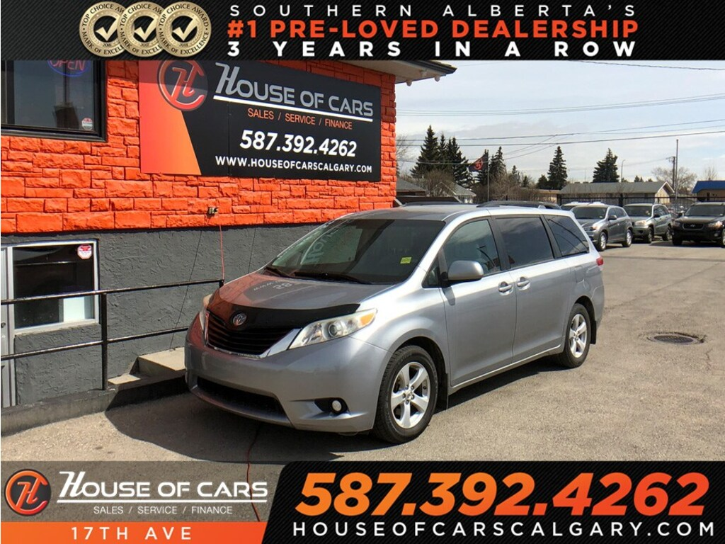 Pre-Owned 2011 Toyota Sienna LE 8 Passenger / Back up camera / Bluetooth