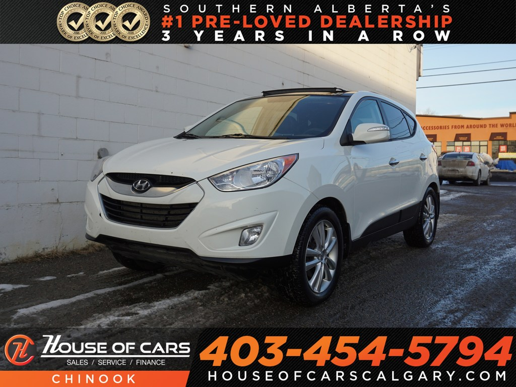 Pre-Owned 2011 Hyundai Tucson GLS w/ Panoramic Sunroof,Heated Leather Seats