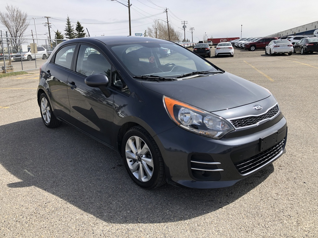 Pre-Owned 2016 Kia Rio 5dr HB Auto EX / Heated seats / Back up cam