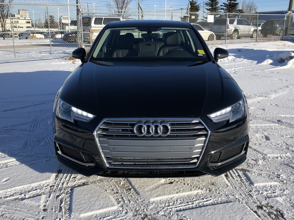 Pre-Owned 2019 Audi A4 Komfort 45 TFSI quattro