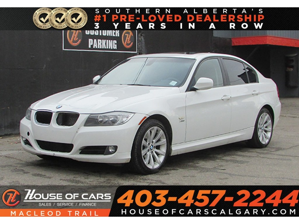 Pre-Owned 2011 BMW 328 i xDrive/AWD/ Mechanic special