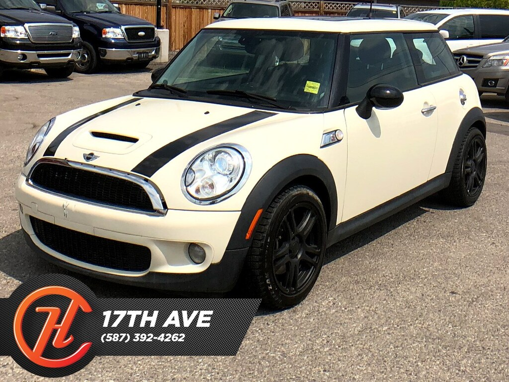 Pre-Owned 2007 MINI COOPER S Base / Leather / Heated seats