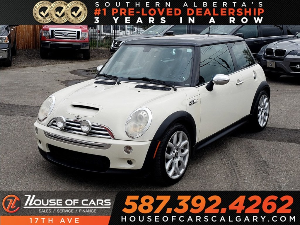 Pre-Owned 2006 MINI COOPER S Base / Leather / Heated seats