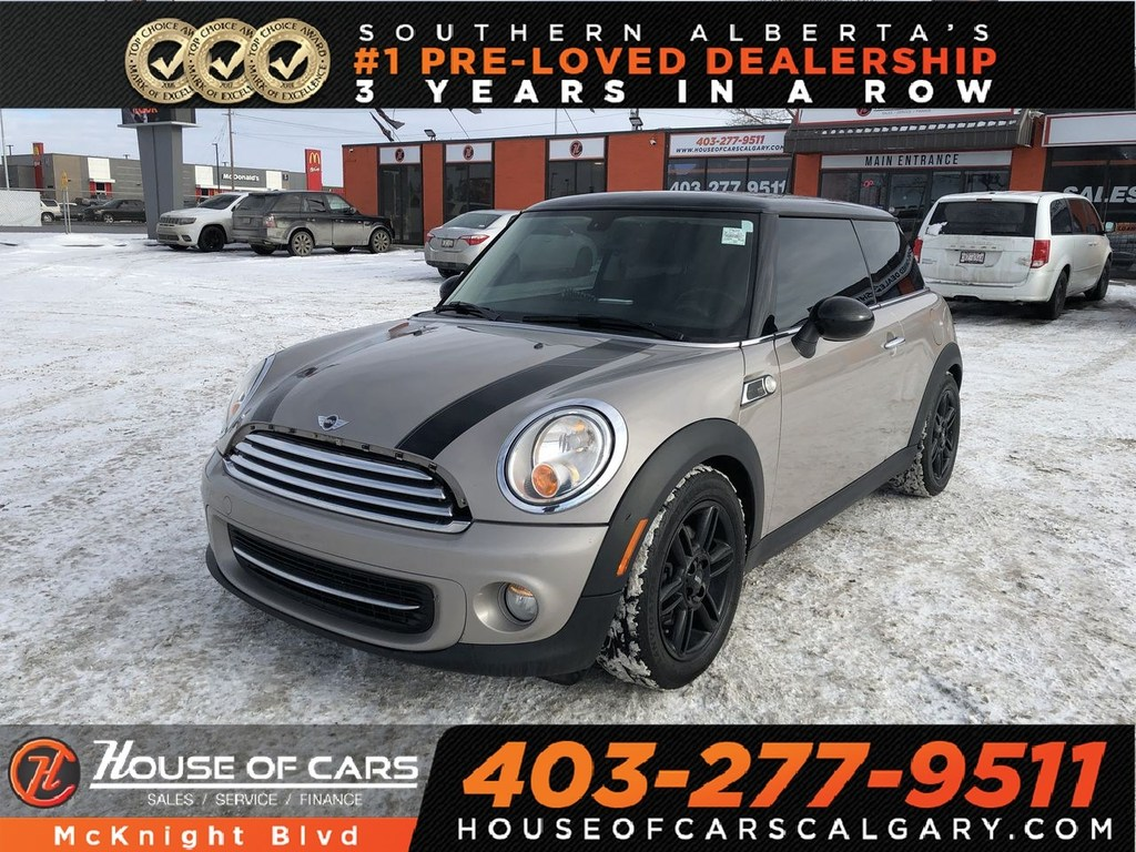 Pre-Owned 2013 MINI Cooper Cooper / Sunroof / Heated seats