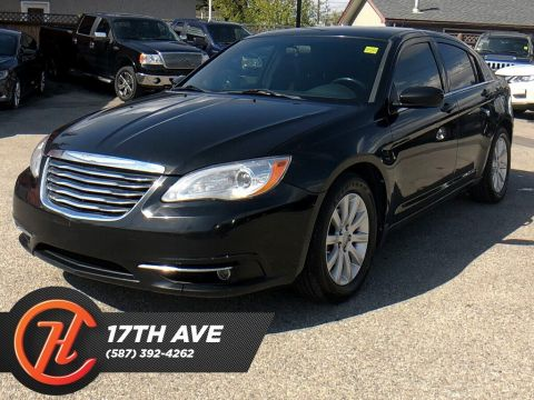 Pre-Owned 2012 Chrysler 200 Touring / Heated seats / Bluetooth