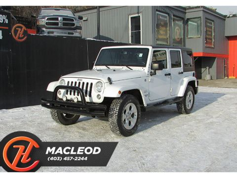 Pre-Owned 2015 Jeep WRANGLER UNLIMITED 4WD 4dr Sahara