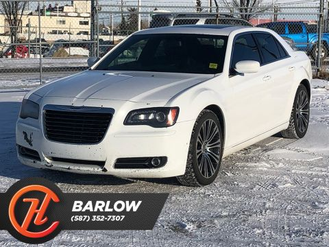Pre-Owned 2013 Chrysler 300 4dr Sdn 300S RWD / Navi / Back up cam