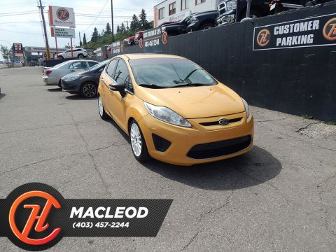 2011 Ford Fiesta SES HATCHBACK SUNROOF HEATED SEATS
