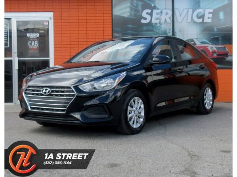 Pre-Owned 2019 Hyundai Accent Preferred/HEATED SEATS/BACKUP CAM/APPLE/MORE