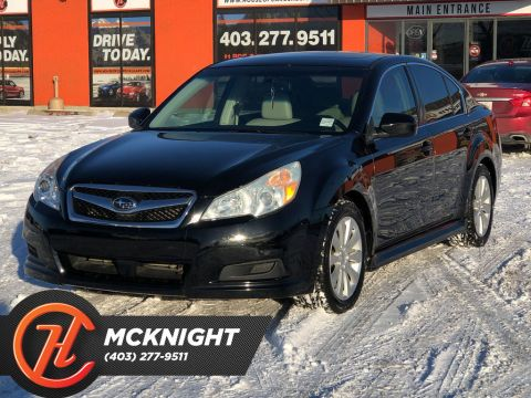 Pre-Owned 2011 Subaru Legacy Limited & Nav Pkg / Leather / Back up cam