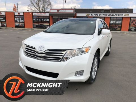 Pre-Owned 2011 Toyota Venza Base / Leather / Sunroof / Back up cam