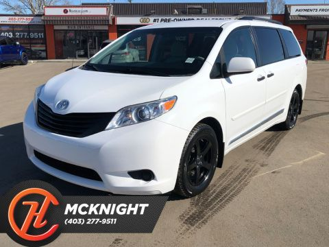 Pre-Owned 2014 Toyota Sienna 5dr 7-Pass FWD