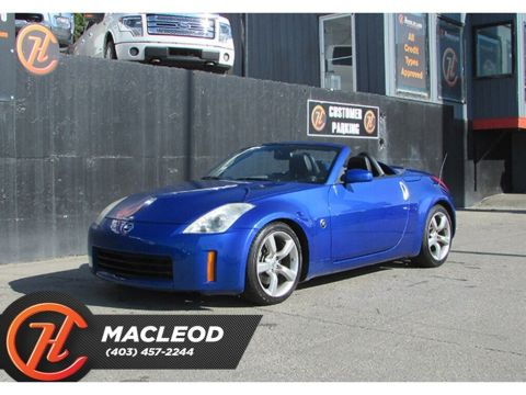 Pre-Owned 2007 Nissan 350Z Roadster w/Black Top