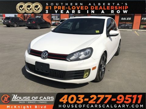 Pre-Owned 2011 Volkswagen GTI 5-Door / Leather / Sunroof / Heated seats